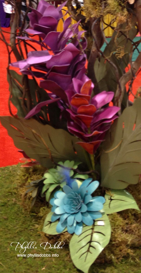 Floral paper sculpture display by DCWV at CHA
