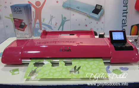 eCraft electronic cutter at the CHA summer show.