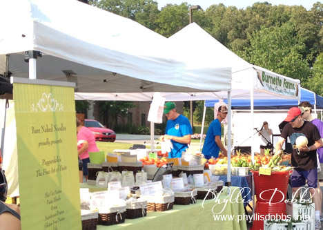 Vegetable stands at Valleydale Farmers Market