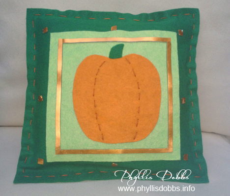 Felt Pumpkin no sew pillow Phyllis Dobbs