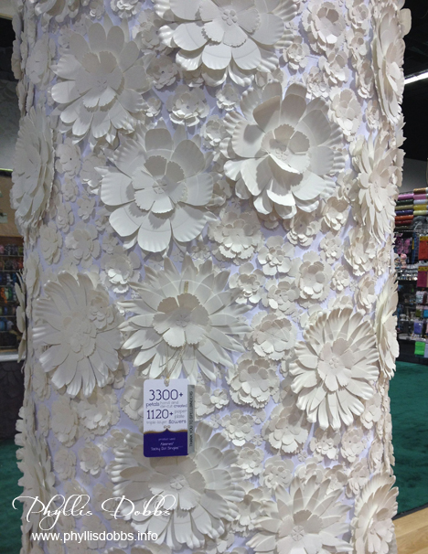 Decorated white column ILovetoCreate CHA