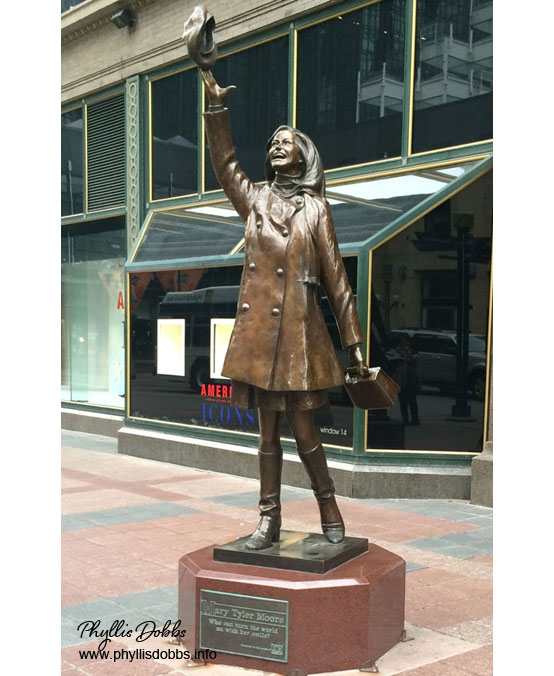 Mary Tyler Moore iconic hat toss statue