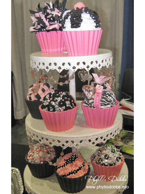 Cupcakes made with ribbon by Ribbon Ring