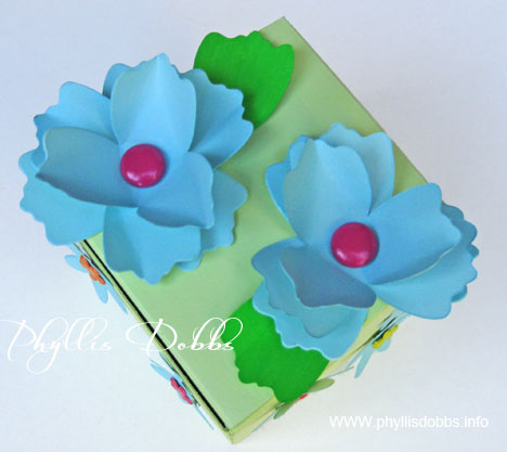 Gift box painted and decorated with flowers