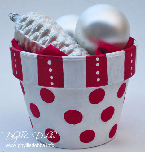 Christmas flower pot for entertaining